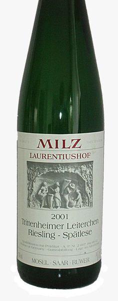 Weingut Milz Laurentiushof, Riesling Trittenheimer Leiterchen Spätlese 2001 | Vinifera-Mundi, News! Vinifera, Champagne, Drinks, Bottle, Ladder, Wine, Drinking, Beverages, Flask