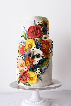 Hochzeitstorten 3 etagen wedding cakes spring A beautiful wedding cake like a spring garden. Hand painted with buttercream sculpted by palette knife. Beautiful Wedding Cakes, Gorgeous Cakes, Pretty Cakes, Cute Cakes, Amazing Cakes, Buttercream Flowers, Painted Cakes, Wedding Cake Inspiration, Floral Cake
