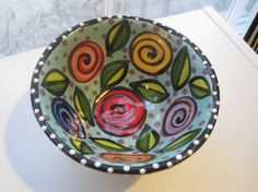 Hand painted and hand built footed bowl with roses, it looks great to display or to serve food. It is dishwasher and microwave safe. Painted Ceramic Plates, Painted Clay Pots, Hand Painted Ceramics, Ceramic Painting, Ceramic Bowls, Ceramic Art, Pottery Bowls, Ceramic Pottery, Pottery Art