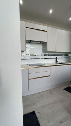 Simple Kitchen Design, Luxury Kitchen Design, Kitchen Room Design, Kitchen Cabinet Design, Interior Design Kitchen, Modern Kitchen Designs, Kitchen Ideas, Modern Kitchen Cabinets, Kitchen Modular