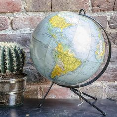 globe terrestre Compass, Globes, Gallery, Maps, Collections, Boutique, Bottle Holders, Scoubidou, Bedrooms