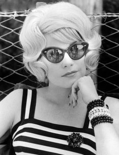 the60sbazaar:  Shirley MacLaine c.1964