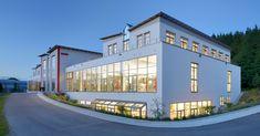 Laumer Komplettbau - Somic Amerang. Foto: Peters #laumer #beton #architekturbeton #architektur #produktionshalle #büro #binder #architecture #architecturephotography #architecturelovers #concrete #concreteart