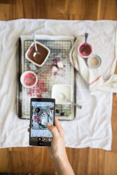 The best camera is the one you have with you. Learn how to take better photos with your phone with these five tips. food photography tips 5 Tips for Better SmartPhone Photos Photography Tips Iphone, Flat Lay Photography, Photography Lessons, Food Photography Styling, Mobile Photography, Photography Tutorials, Minimalist Photography, Urban Photography, Product Photography Tips