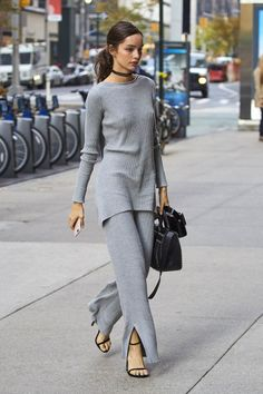 31 winter outfit ideas to try from the Victoria s Secret models street  style moments  Street 01c5480dd6ae