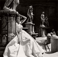 Vintage: Fashion Photography by Genevieve Naylor (1940s and 1950s)