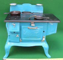 Wetter Salesman Sample / Display Model / Cast Iron Toy Stove