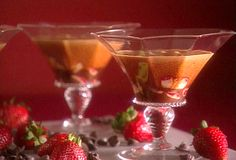 Chocolate Zabaglione Recipe from Giada De Laurentiis Ingredients cup whipping cream, or heavy cream cup semisweet chocolate chips 8 large egg yolks cup sugar cup dry Marsala Pinch salt 1 pound fresh strawberries, hulled and quartered Giada De Laurentiis, Icebox Desserts, Just Desserts, Dessert Recipes, Pudding Recipes, Drink Recipes, Food Network Uk, Food Network Recipes, Love Chocolate