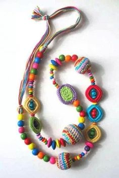 crochet ball necklace - photo only