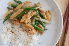 Spicy Thai String Bean Chicken | foodnfocus.com.  LMW 10/2/14:  Very tasty.  We both liked this a lot.  Quantities given for two are way too small.  Quadrupled to make 4 generous servings.  Cook about 2 cups plain rice for this amount.  Make this easy pad Thai sauce, NOT sauce from a jar:  http://thaifood.about.com/od/quickeasythairecipes/r/padthaisauce.htm.        I made 4X the sauce recipe, but it was too much.  Next time try 2X sauce.  Went very light on Sriracha sauce. Saved in email.