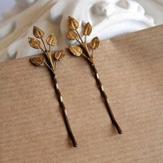 These two really unique bobby pins are made using vintage antiqued brass leaves stampings(extremely rare),glued on nickel free bobby pins bases,which can Hair Jewelry, Jewelry Box, Jewelry Accessories, Fashion Accessories, Jewelry Design, Jewellery, Hair Ornaments, Hair Pins, Hair And Nails