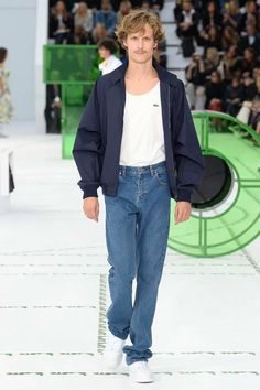 See the complete Lacoste Spring 2018 Ready-to-Wear  collection.