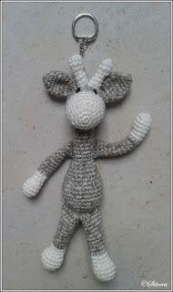Pattern mini giraffe key bags hanger - Amigurumi X Crochet Tools, Crochet Stitches, Crochet Projects, Crochet Baby Toys, Cute Crochet, Tassen Hanger, Knitting Patterns, Crochet Patterns, Crochet Keychain
