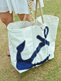 Jesssica at My Style Vita shows off her nautical style with a classic navy anchor tote from Sea Bags!