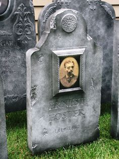 using a cheap changing picture in your tombstone