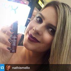 A blogueira @nathismello usando o Soft Matte Lip Cream Copenhagen
