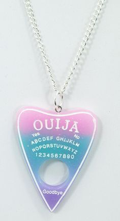 Clothing~ Ouija Board Planchette Pastell Goth Nu-Goth Ring Glitter Pastell Ouija Board Halskette - P Soft Grunge Outfits, Grunge Style, Nu Goth Style, Pastel Goth Style, Estilo Goth Pastel, Pastel Punk, Pastel Goth Fashion, Pastel Goth Clothes, Kawaii Fashion