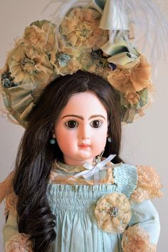 *SALE* CM Tete Jumeau in Magnificent French Presentation from doll-heaven on Ruby Lane
