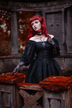 Cemetery Photoshoot, Cemetery Girl, Gothic Girl Cemetery, Autumn Gothic Girl, Redhead girl, Red Hair