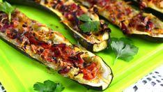 Täytetyt kesäkurpitsat - Reseptit - Ilta-Sanomat Edamame, Zucchini, Sushi, Food And Drink, Vegetables, Vegetable Recipes, Veggies, Sushi Rolls