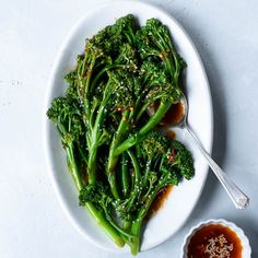 Spicy Sautéed Sesame Garlic Broccolini - Fork Knife Swoon - Two broccoli recipes in a row? I know. Maybe it's the holiday cookie withdrawals, but I've been craving super fresh, vegetable-laden bowls of goodness like nobody's business. Especially dark, leafy greens. Broccoli, kale, spinach, Swiss chard, you name it. While I promise I won't exclusively be giving you brassica recipes in the foreseeable future, I do want to highlight more veggie-centric, seasonal dishes around here. I also want…