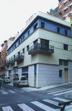 #Edificios #Contemporaneo #Balcon #Exterior #Ventanas #Fachada #Puertas