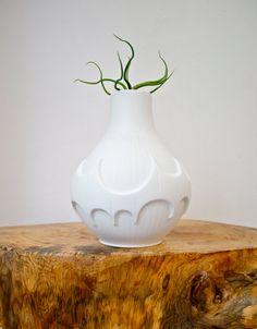 Batman has nothing on this vase!