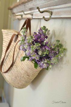 Deco Floral, Arte Floral, Fresh Flowers, Beautiful Flowers, Beautiful Soul, Purple Flowers, Lavender Cottage, French Lavender, Vibeke Design