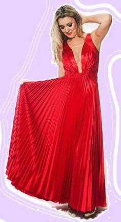 Madrinhas, fomandas, convidadas com estilo vestem Black Suit Dress! #BlackSuitDress #estilo #elegancia #vestidodefesta #red #vermelho #madrinha #convidada #casamento #formanda #formatura #moda #look #festa #fashion #modafesta #aluguel #venda