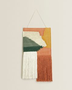 Zara Home Polska Zara Home, Macrame Wall Hanging Patterns, Weaving Wall Hanging, Wall Hangings, Wall Accessories, Decorative Accessories, Tapestry Weaving, Wall Tapestry, Decoration Bedroom