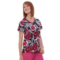 The Classic Fit Collection by Jockey® Women's V-Neck Abstract Print Scrub Top blends functionality with unique style details. Store your tools in the two deep front patch pockets and enjoy the feel of 100% polyester fabric.