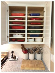 Kitchen Cabinet Organization, Kitchen Storage, Home Organization, Organizing, Fridge Storage, New Cabinet, Cabinet Ideas, Kitchen Redo, Kitchen Ideas