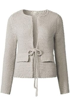 Womens Hand Knit shared by Ʈђἰʂ Iᵴɲ'ʈ ᙢᶓ - imagen descubierto por Ʈђἰʂ Iᵴɲ& ᙢᶓ. Crochet Cardigan Pattern, Crochet Jacket, Crochet Blouse, Sweater Knitting Patterns, Knit Cardigan, Hand Knitting, Knit Crochet, Sewing Clothes Women, Crochet Clothes