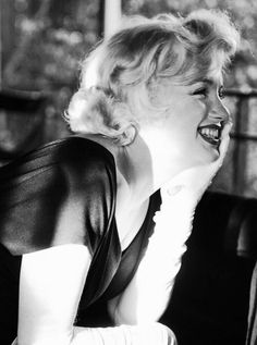 ★ Marilyn Monroe ♡ Old Hollywood ★ Vintage Hollywood, Hollywood Glamour, Photos Rares, Some Like It Hot, Marilyn Monroe Photos, Norma Jeane, Belle Photo, American Actress, My Idol