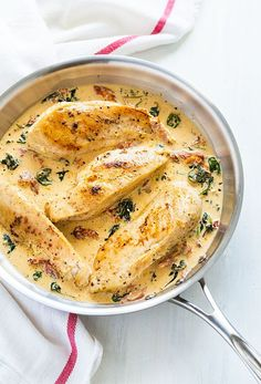 Chicken in a Sun Dried Tomato Cream Sauce with Spinach – Juicy boneless chicken breasts in a simple and satisfying cream sauce! Spinach Recipes, Healthy Recipes, Healthy Meals, Yummy Recipes, Easy Meals, Cooking Recipes, New Chicken Recipes, Recipe Chicken, Boneless Chicken Breast