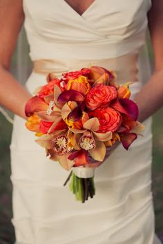 lovely fall bridal bouquet  http://thingsfestive.blogspot.com/2013/01/real-rustic-wedding-in-baton-rouge-la.html