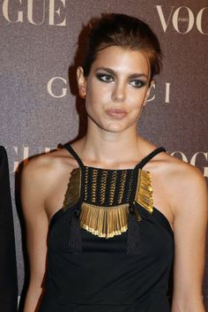 charlotte casiraghi make-up