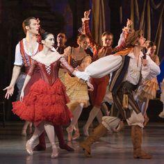 Andrew Bowman as Basilio, Yao Wei as Kitri, & Gábor Baunoch as Lorenzo in the Royal Danish Ballet's DON QUIXOTE