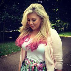 Louise Watson (Sprinkle of Glitter) Pretty People, Beautiful People, Pointless Blog, Sprinkle Of Glitter, Best Youtubers, British Youtubers, Zoella, Unicorn Hair, We The People