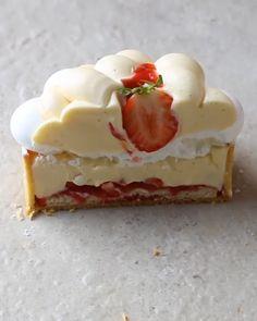 Fancy Desserts, Delicious Desserts, Yummy Food, Elegant Desserts, Tart Recipes, Sweet Recipes, Baking Recipes, Easy Microwave Desserts, Cupcake