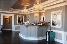 Blair Phillips Studio's front lobby. So elegant and nice!!! http://www.blairphillipsphotographyblog.com/studio-design-star/