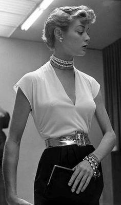 Jean Patchett, 1949 by Nina Leen.