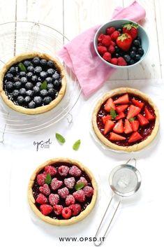 Strawberry and berries tart recipes - Social Cooking Engine Tart Recipes, Best Dessert Recipes, Cooking Recipes, Köstliche Desserts, Delicious Desserts, Yummy Food, Best Italian Recipes, Favorite Recipes, Comida Latina