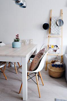 Sweet Harmonie: COMO PERSONALIZAR TU MESA CON UN VINILO DE LOKOLOKO Home Staging, Office Desk, Dining Table, Furniture, Design, Home Decor, Environment, Home, Homemade Home Decor