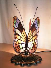Resultado de imagem para Creative Stained Glass : Modern Designs and Simple Techniques