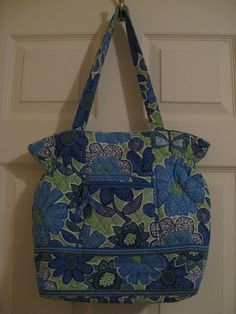 Vera Bradley Doodle Daisy Laura Bag Elastic Blue Flowers Green Purse Retired #VeraBradley #ShoulderBag