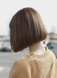 Stylish, Quick and Easy Hairstyles – Stylish Hairstyles Thick Hair Bob Haircut, Bob Hairstyles For Thick, Modern Hairstyles, Hairstyles For School, Pretty Hairstyles, Easy Hairstyles, One Length Bobs, Short Hair Styles, Hair And Beauty