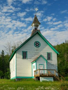 Church in Nipigon, Ontario, by Roy Mac Old Country Churches, Old Churches, Discover Canada, My Father's House, Houses Of The Holy, Church Pictures, Church Flowers, Place Of Worship, Abandoned Buildings