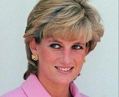 Fotografía de la princesa Diana usando este vestido impacta. Lo catalogan el look de la revancha | Upsocl