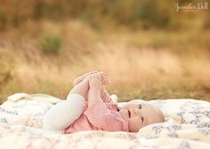 learn how to pose babies during a photography session by Jennifer Dell great flow in this series of shots 6 Month Photography, Toddler Photography, Newborn Baby Photography, Family Photography, Outdoor Baby Photography, Photography Poses, Photography Tutorials, 6 Month Pictures, 6 Month Baby Picture Ideas